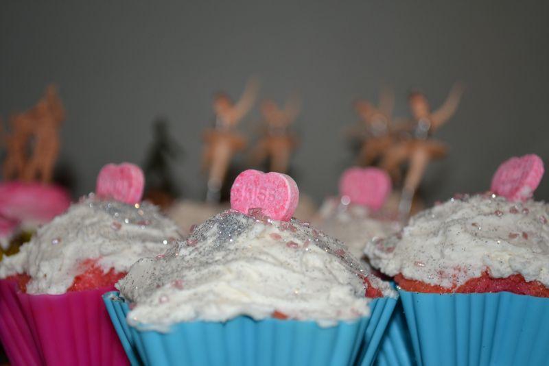 Kissing Cupcakes